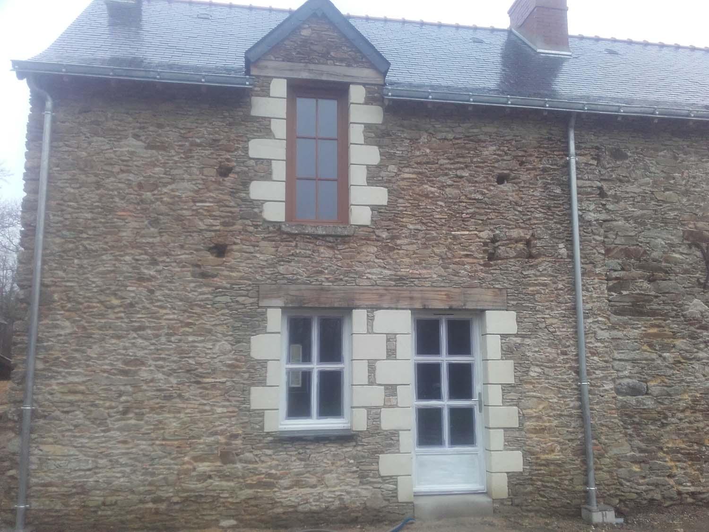 Bâtiment - Rénovation ouverture en pierre de TUFFEAU VENANSAULT 85 - BRETHOME SARL Lucs sur Boulogne Vendée